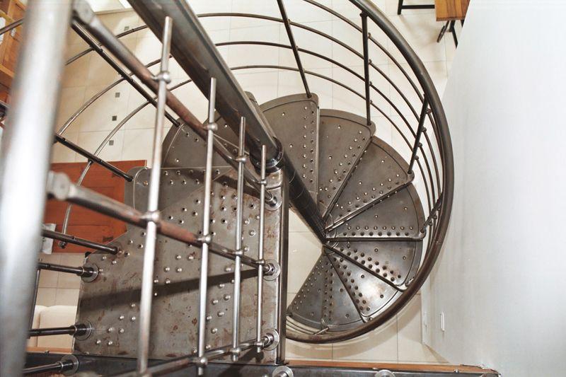escalier 51 dispose en permanence d 39 un stock important afin de vous satisfaire sans d lais. Black Bedroom Furniture Sets. Home Design Ideas